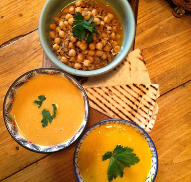 beyond the kale Today's yummy bowls are #chanamasala #spicy #thai peanut & squash and #carrot & #ginger #fresh and #organic